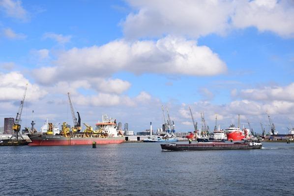 26_a-rosa-Flusskreuzfahrt-Rhein-Grosse-Hafenrundfahrt-Rotterdam-Holland-Niederlande