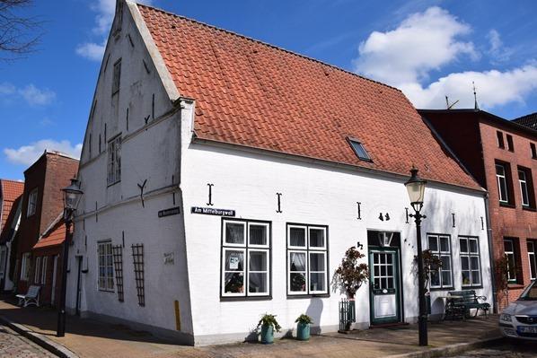 30_Das-Schiefe-Haus-Friedrichstadt-Nordfriesland-Schleswig-Holstein-Deutschland