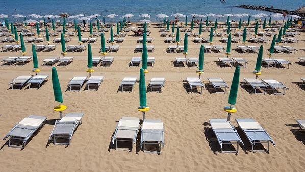 04_Liegen-Strand-Lignano-Pineta-Friaul-Julisch-Venetien-Adria-Italien