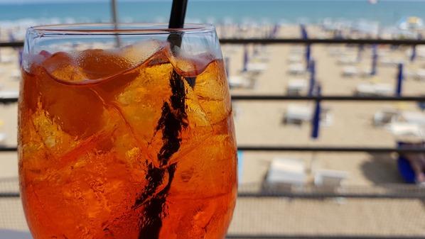 06_Aperetivo-Sprizz-Strand-Lignano-Pineta-Friaul-Julisch-Venetien-Adria-Italien