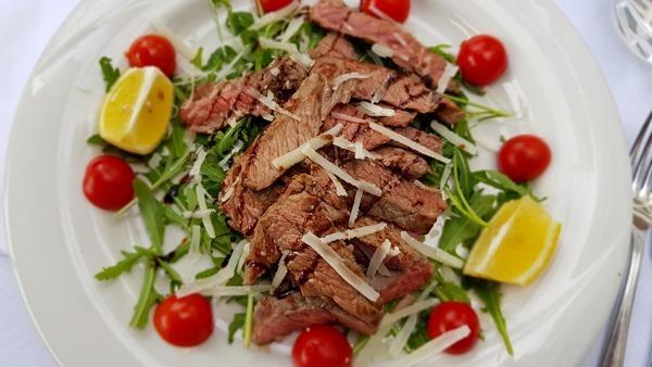 18_Abendessen-Secondi-Piatti-Fleisch-Hotel-Ristorante-President-Lignano-Pineta-Friaul-Julisch-Venetien-Adria-Italien