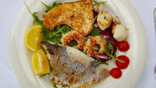 19_Abendessen-Secondi-Piatti-Fisch-Hotel-Ristorante-President-Lignano-Pineta-Friaul-Julisch-Venetien-Adria-Italien