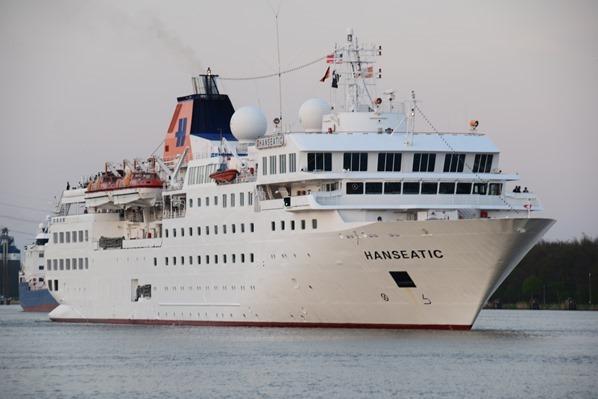 19_Kreuzfahrtschiff-HLKF-Hanseatic-Nord-Ostsee-Kanal-Brunsbuettel-Dithmarschen-Nordsee