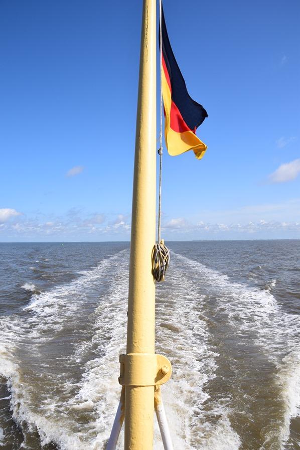 25_Kielwasser-Ausflugsboot-Seehundsbank-Buesum-Dithmarschen-Nordsee