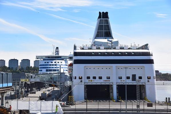 06_Hafen-Stockholm-Tallink-Silja-Victoria-I-Ostsee-Kreuzfahrt-Luxusfaehre