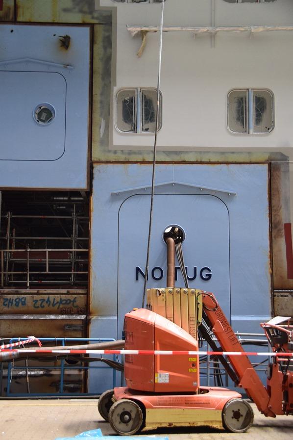 12_Kreuzfahrtschiff-Royal-Caribbean-Spectrum-of-the-Seas-no-tug-Meyer-Werft-Papenburg