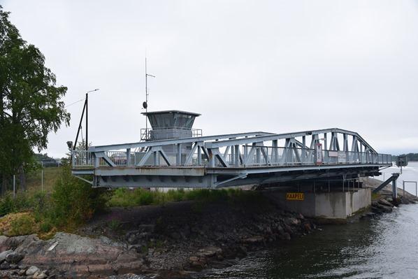 16_Bootstour-Schwenkbruecke-Helsinki-Finnland-Ostsee-Kreuzfahrt-Tallink-Silja-Minicruise