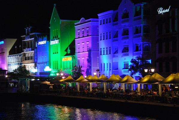 01_Willemstad-bei-Nacht-Curaco-Yachtcharter-Globesailor