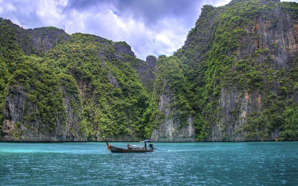 03_Thailand-Phuket-Phi-Phi-Island-Yachtcharter-Globesailor