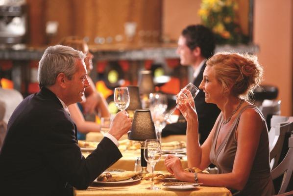 01_Kreuzfahrt-Abendessen-Dinner-Wein-Getraenke-Getraenkepaket-Getraenkepreise