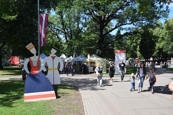 06_historischer-Markt-Saengerfest-Liederfest-Riga-Lettland-Ostsee-Kreuzfahrt-Staedtereise