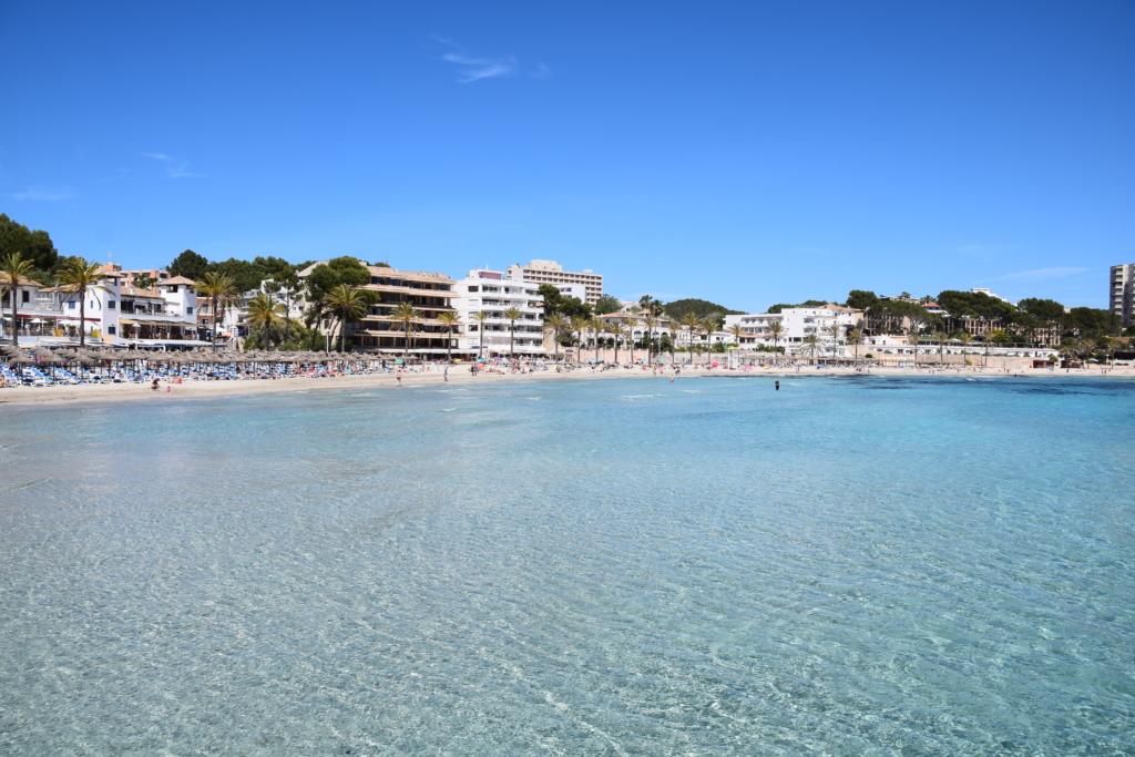 Peguera Mallorca Strand Meer baden Balearen Spanien