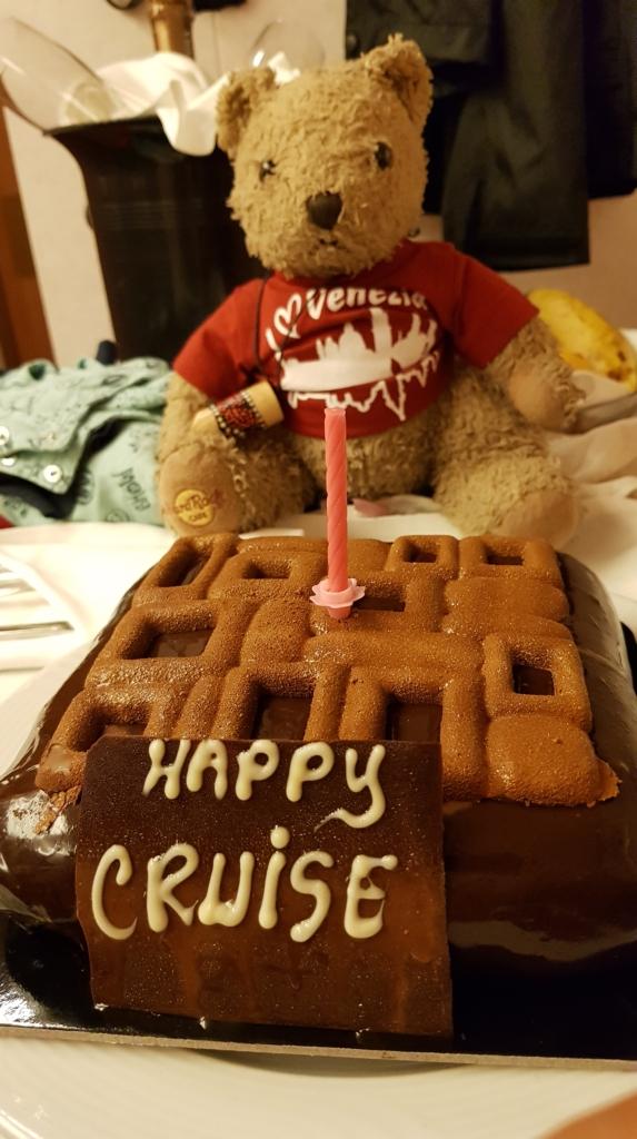Familienkreuzfahrt Costa Luminosa Happy Cruise Kuchen Torte Teddybär Kreuzfahrt mit Kindern