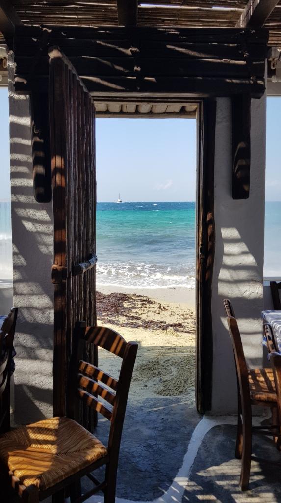 Familienkreuzfahrt Costa Restaurant Tür Meer Mykonos Griechenland Kreuzfahrt