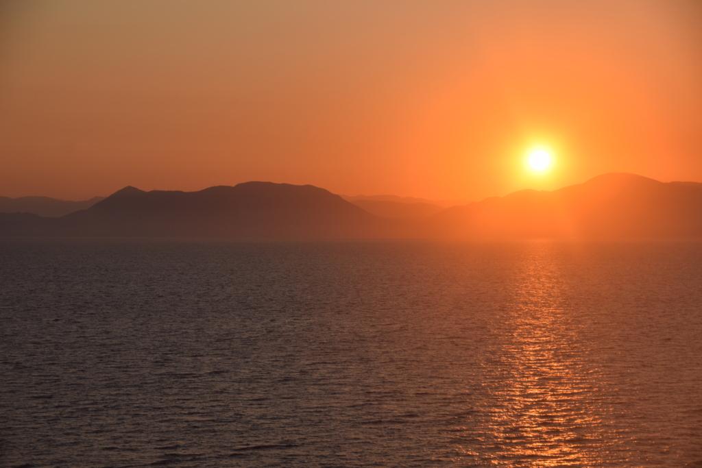 Familienkreuzfahrt Costa Sonnenaufgang Meer Griechenland Kreuzfahrt