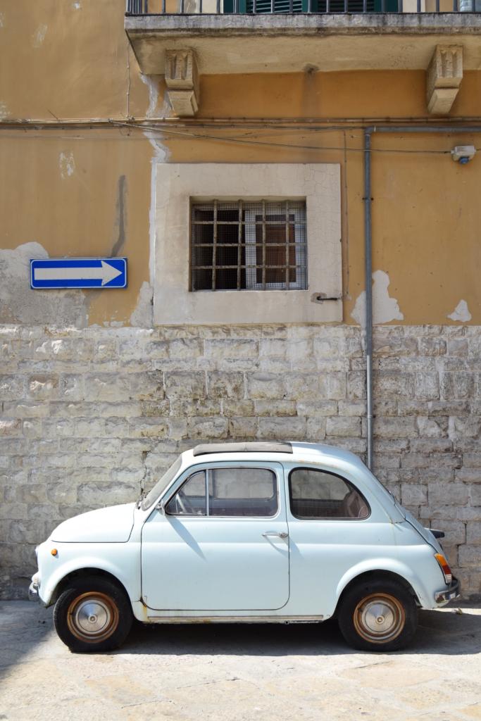 Familienkreuzfahrt Costa Strasse Fiat 500 Bari Apulien Italien Kreuzfahrt