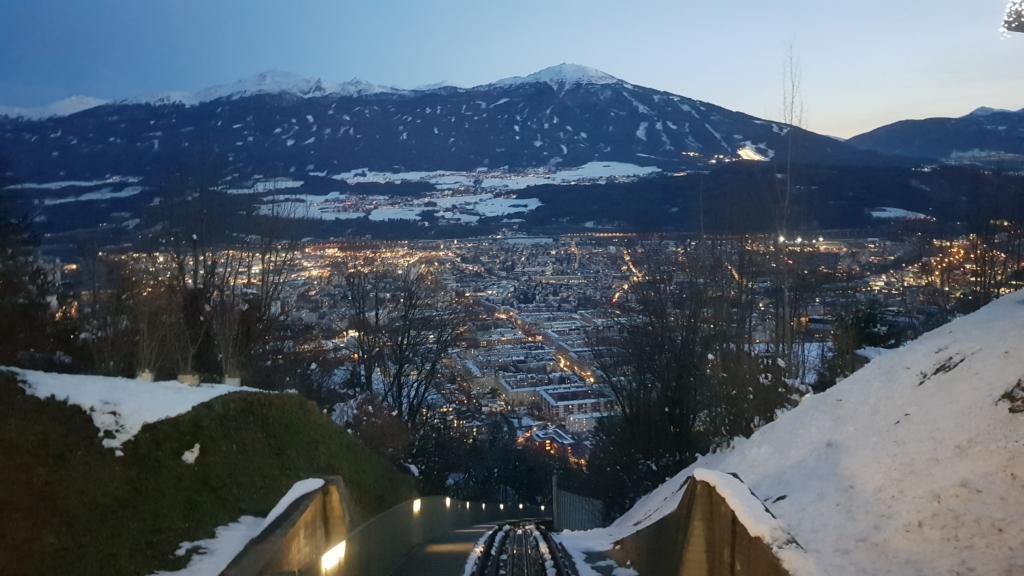 Innsbruck Winter Alpen Ausblick Hungerburg Tirol Österreich