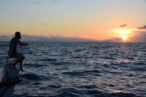 04 sonnenuntergang katamaran privatisierte kreuzfahrt griechenland mittelmeer globesailor