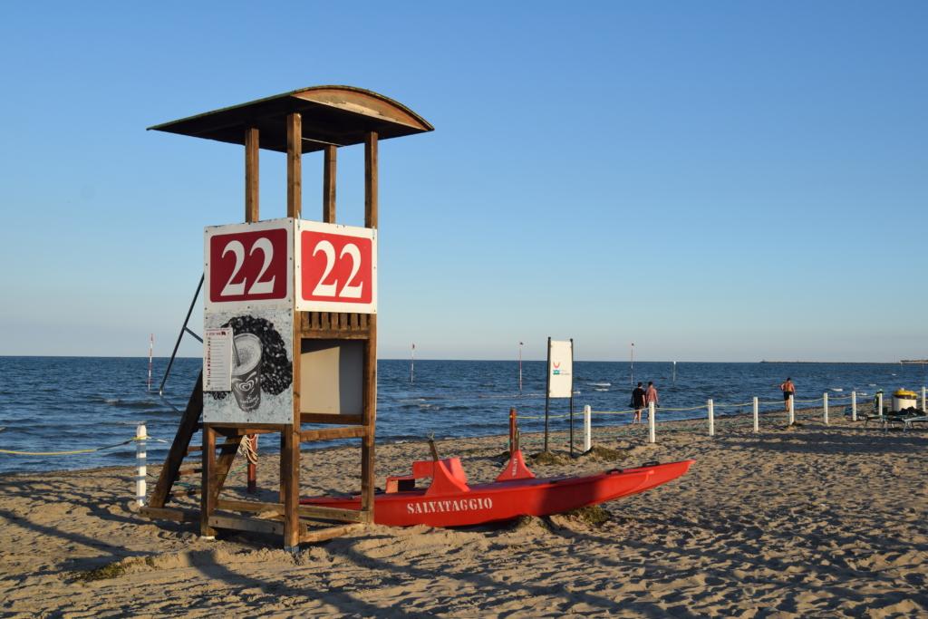 Sottomarina Chioggia Bademeister bewachter Strand Venetien Lagune von Venedig Italien