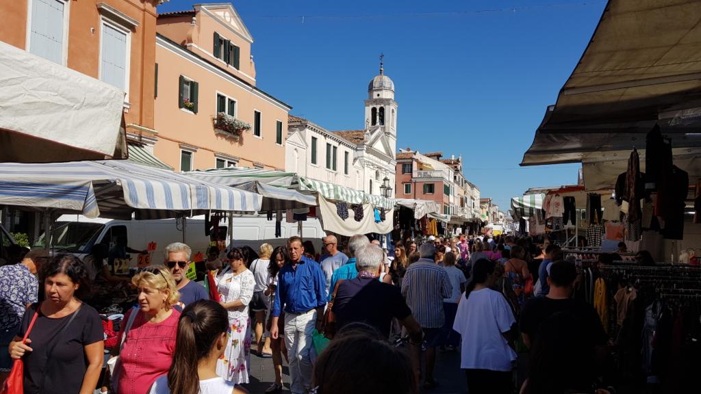 Chioggia Altstadt Markt Wochenmarkt Zentrum Corso del Poppolo Venetien Italien