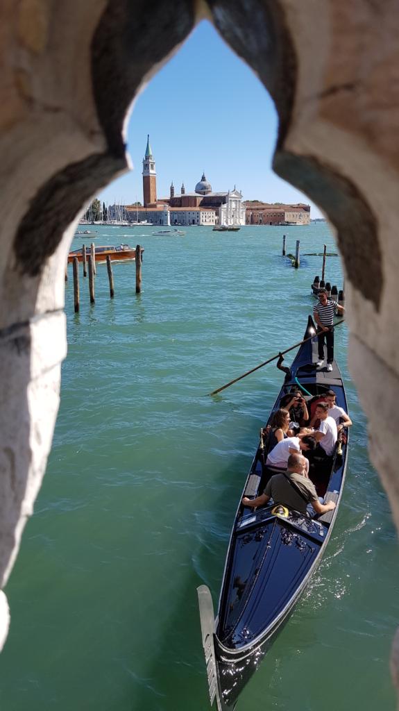 Ausflug Venedig Gondoliere Ponte della Paglia Venetien Italien