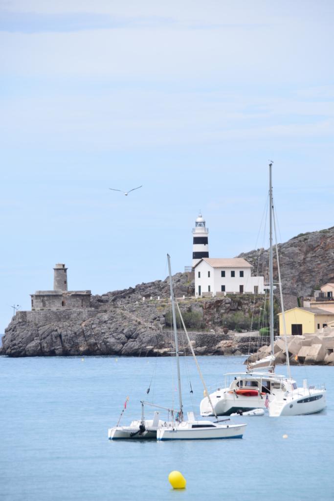Leuchtturm faro port de soller mallorca balearen spanien
