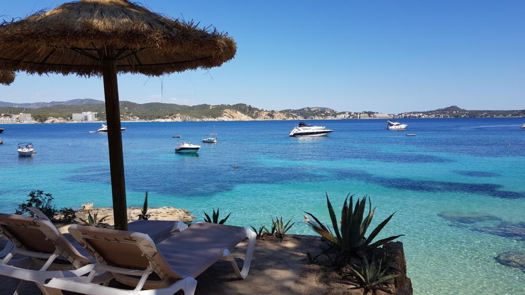 Strandliege Hotel Cala Fornells Peguera Paguera Mallorca Balearen Spanien