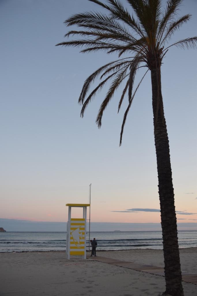 Sonnenuntergang Strand Playa Peguera Paguera Mallorca Balearen Spanien