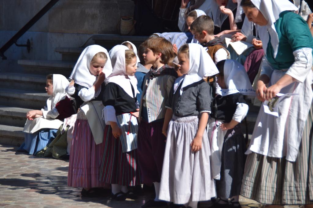 30 volkstanzgruppe placa constitucio soller mallorca balearen spanien