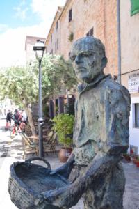 11 mallorca altstadt statue banyalbufar serra de tramuntana spanien