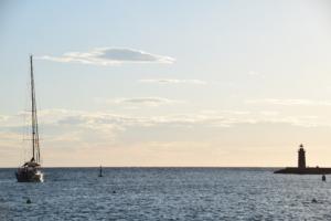23 mallorca sonnenuntergang leuchtturm hafen port d andratx spanien