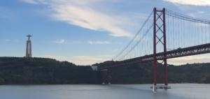 ablegen aidamar tejo ponte 25 de abril lissabon portugal aida familien kreuzfahrt