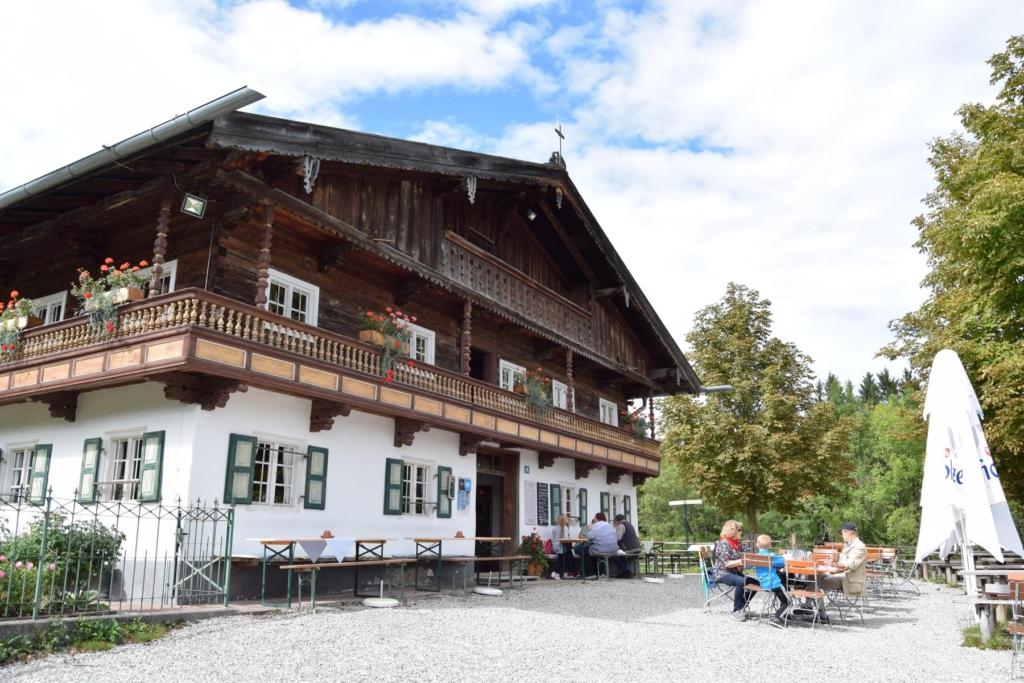 biergarten freilichtmuseum glentleiten oberbayern