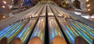 orgelpfeiffen kathedrale sagrada familia barcelona spanien aida familien kreuzfahrt