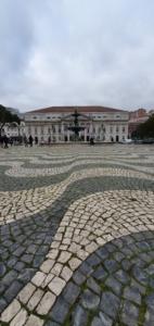 pflastersteine calcada lissabon portugal aidamar familien kreuzfahrt