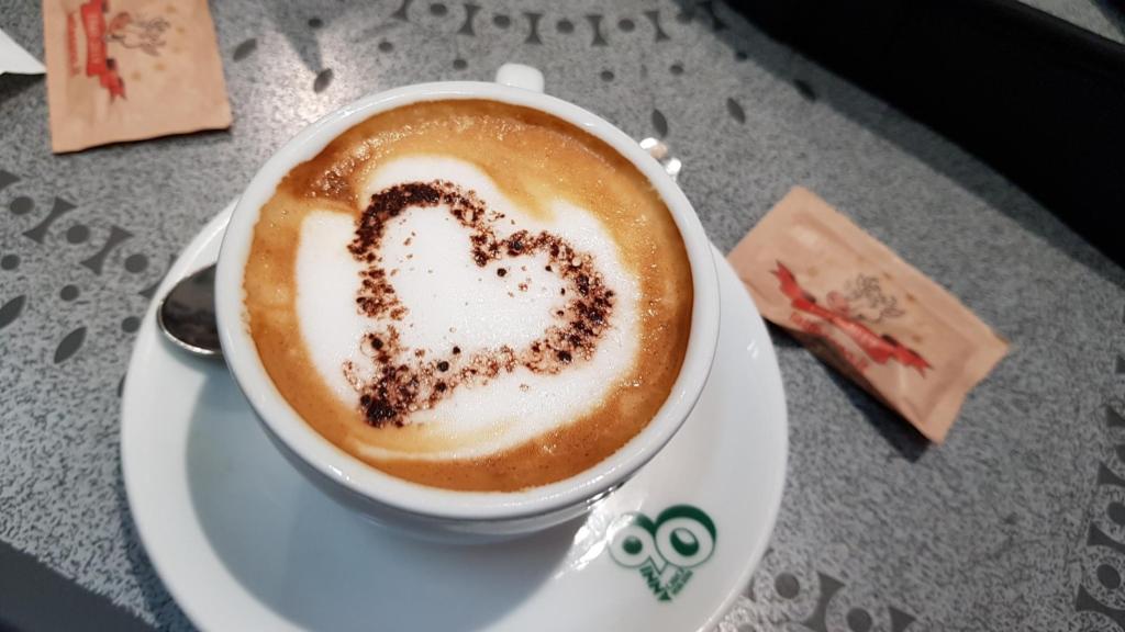 cappuccino bar amore morgens vatikan rom italien