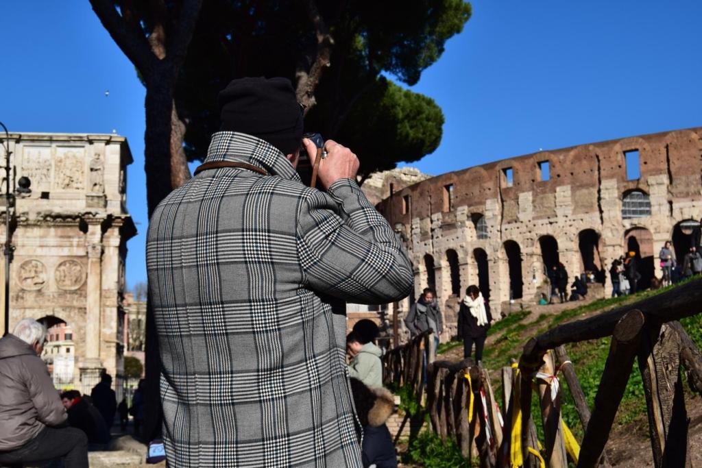 tourist fotograf kolosseum rom italien