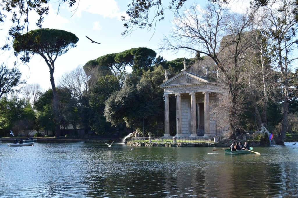spaziergang asklepios tempel tempio di esculapio park villa borghese rom italien