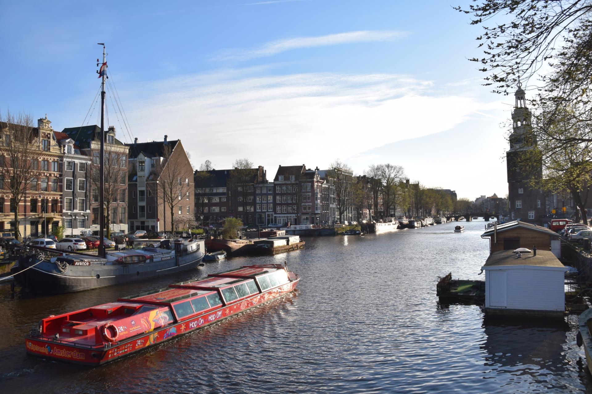 grachtenboot grachtenfahrt amsterdam holland niederlande