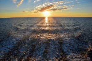 sonneuntergang ostsee luxus fähre tallink isabelle baltisches meer