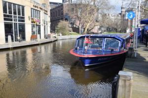 grachtenboot flying dutchman grachtenfahrt amsterdam hard rock cafe holland niederlande