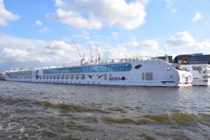 a-rosa flusskreuzfahrt flusskreuzfahrtschiff a-rosa aqua grachtenfahrt amsterdam holland niederlande
