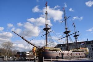 historisches segelschiff amsterdam grachtenfahrt holland niederlande