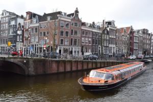 grachtenboot flying enterprise grachtenfahrt amsterdam holland niederlande
