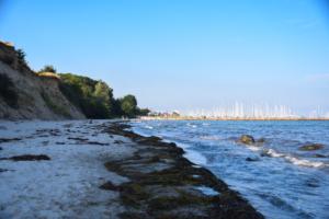 steilküste yachthafen grömitz ostsee strand schleswig holstein