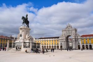 Städtereise Lissabon Sehenswürdigkeiten Praça do Comércio Arco da Rua Augusta Portugal