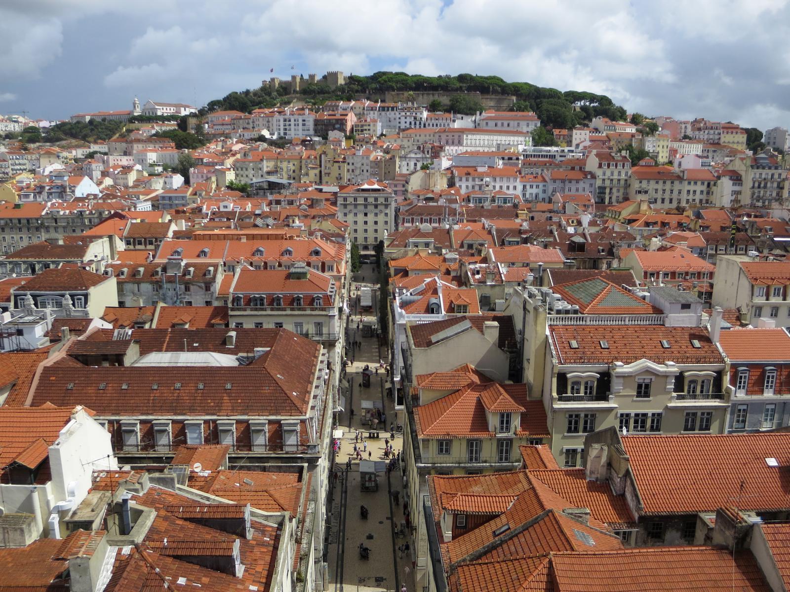 Städtereise Lissabon Sehenswürdigkeiten Aussicht Elevador de Santa Justa Castelo de São Jorge Portugal