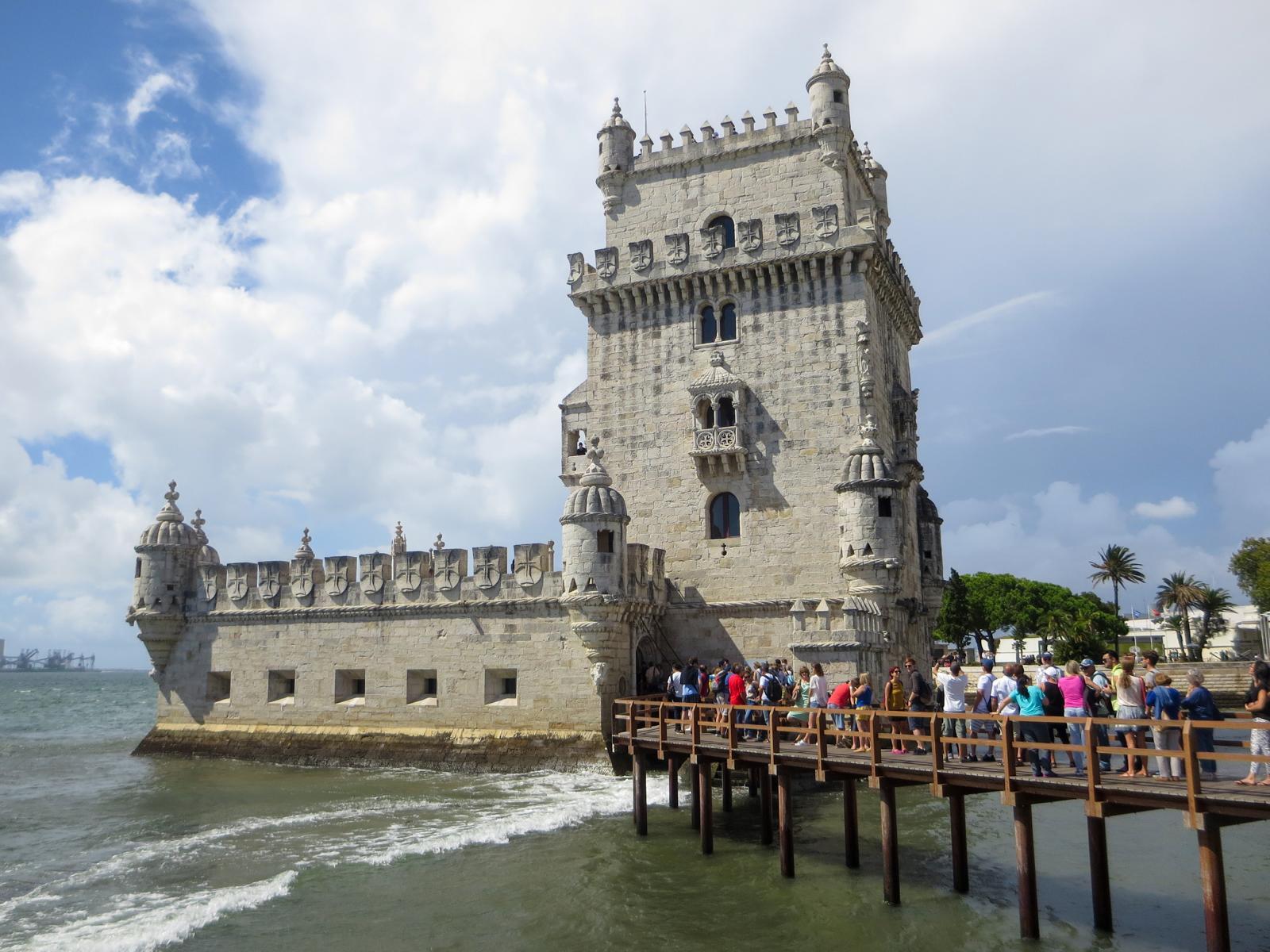 Städtereise Lissabon Sehenswürdigkeiten Torre de Belém Tejo Portugal