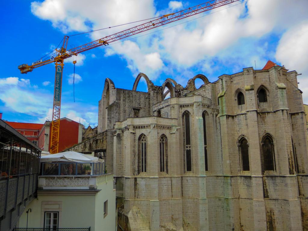 Städtereise Lissabon Sehenswürdigkeiten Museu Arqueologico Convento do Carmo Portugal