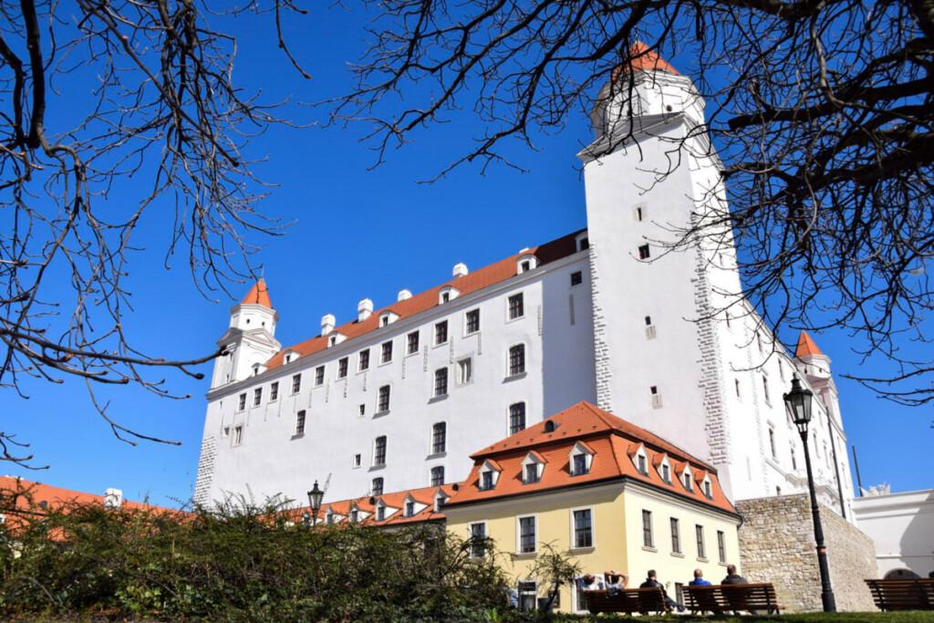 a-rosa Flusskreuzfahrt Donau Burg Hrad Pressburger Burg Wahrzeichen Bratislava Slowakei